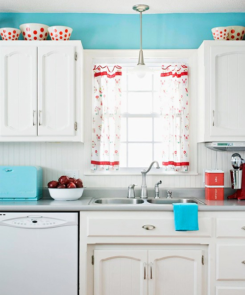 Red-aqua-kitchen